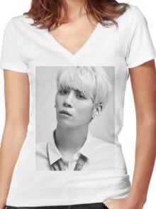 Shinee - Jonghyun Women's Fitted V-Neck T-Shirt