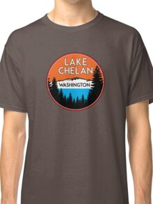 LAKE CHELAN WASHINGTON BOATING WATER SPORTS SKIING BOAT FISHING TUBING HOUSEBOAT Classic T-Shirt
