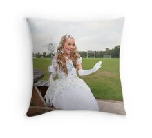 Popi Idol Sonia Throw Pillow