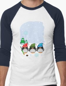 Hockey Penguins with snowflakes hats in a snowy landscape Men's Baseball ¾ T-Shirt