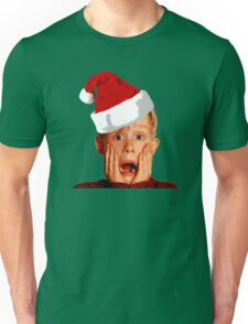 Home Alone Santa Hat T-Shirt: Macaulay Culkin Christmas Holiday Unisex T-Shirt