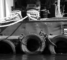 Tug 2 Black and White by marybedy