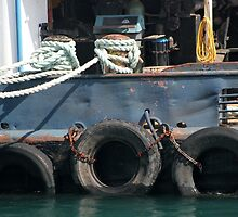 Tug 2 by marybedy