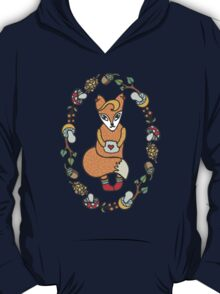 Lovely funny fox in woodland wreath T-Shirt