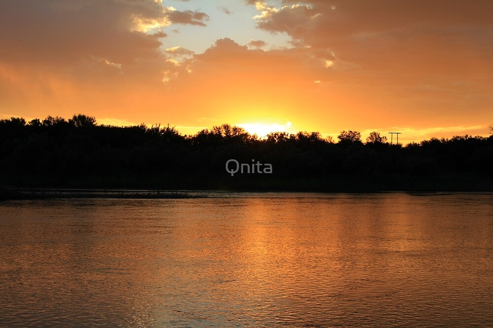 Golden waters... by Qnita