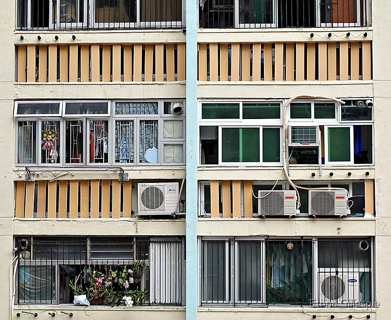 Air Con and Laundry © by Ethna Gillespie