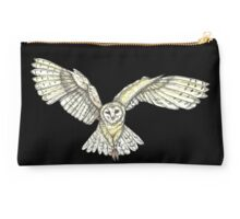 Barn owl in flight Studio Pouch