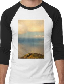 Clouds Viewing in the Ocean - Travel Photography Men's Baseball ¾ T-Shirt