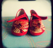 Tiny toes - red chinese baby shoes by gailgriggs
