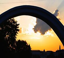 Sunset seen through Lovers Arch by archecotech