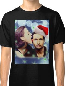 Gillian licks David's face Christmas edition Classic T-Shirt
