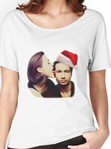 Gillian licks David's face Christmas edition Women's Relaxed Fit T-Shirt