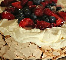 Christmas Day Pav! by Karen Tregoning