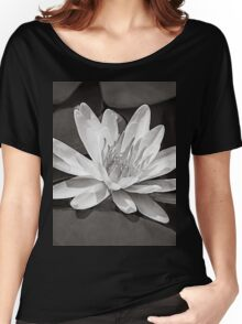 Water Lily Flower - Black & White Women's Relaxed Fit T-Shirt