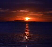 Bleeding sunset by savannahlima