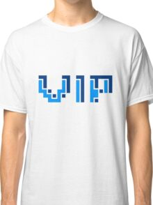 striche text schrift pixel gamer 8 bit cool design retro alt look gold vip wichtig person  Classic T-Shirt