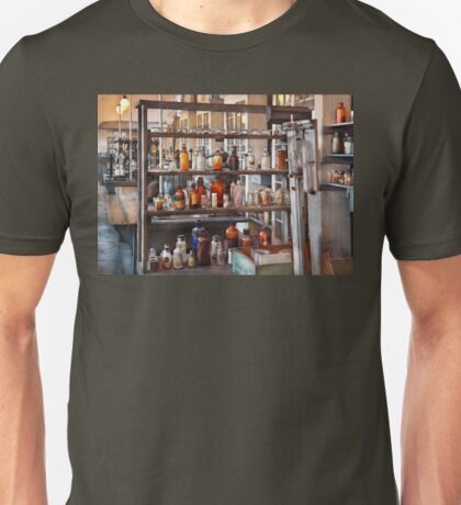 Chemist - Where science comes from Unisex T-Shirt