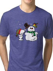 Snoopy & Woodstock play with snowman Tri-blend T-Shirt
