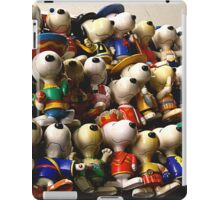 Snoopy going multinational iPad Case/Skin