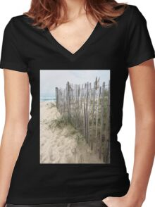 Dune Creeper Women's Fitted V-Neck T-Shirt