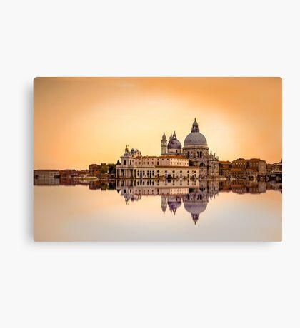 Basilica di Santa Maria della Salute, Venice. Canvas Print