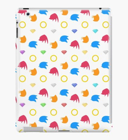 Sonic, Knuckles and Tails with Chaos Emeralds (white) iPad Case/Skin