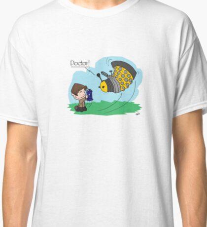Eleventh Doctor vs a Dalek ... Peanuts Style Classic T-Shirt