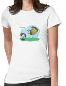 Eleventh Doctor vs a Dalek ... Peanuts Style Womens Fitted T-Shirt