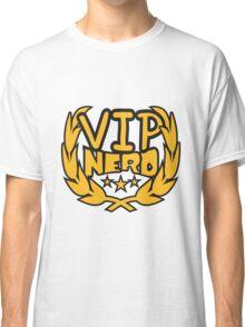 lorbeerkranz nerd geek schlau pixel gamer 8 bit cool design retro alt look gold vip wichtig person  Classic T-Shirt