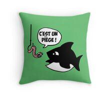 poisson pêcheur humour fun Throw Pillow