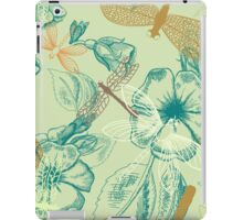 Beautiful Drangonfly and flowers pattern iPad Case/Skin