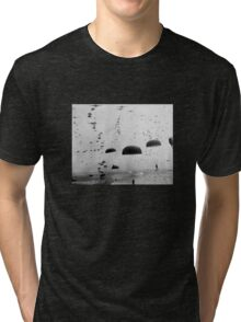Allied Airborne Troops Parachuting - WWII Tri-blend T-Shirt