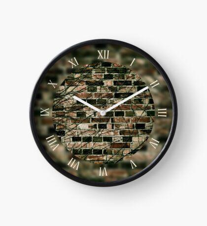 Gloomy ivy hedge creeper  Clock