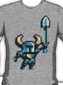 Shovel knight by triangles T-Shirt