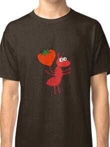 cartoon ant carrying food Classic T-Shirt