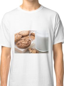 Transparent cup with milk and oatmeal cookies Classic T-Shirt