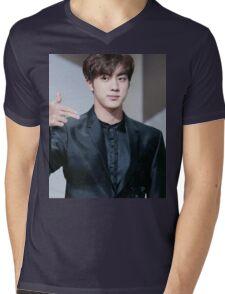 Jin at the Mamas Mens V-Neck T-Shirt