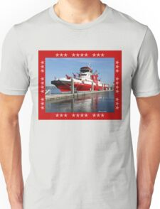 343 ~ FDNY's New Fireboat on Route to New York  T-Shirt