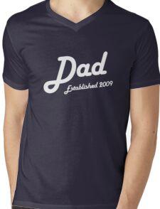 Dad Established Est 2009 New Baby T-Shirt Mens V-Neck T-Shirt