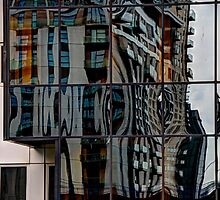 Reflections at Canary Wharf by Elisabeth Thorn