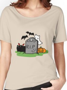Headstone with Spooky Cats Women's Relaxed Fit T-Shirt