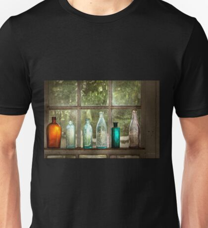 Hobby - Bottles - It's all about the glass Unisex T-Shirt