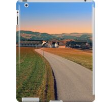 Country road into beautiful panorama | landscape photography iPad Case/Skin