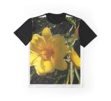 FLOWERS (10) Graphic T-Shirt