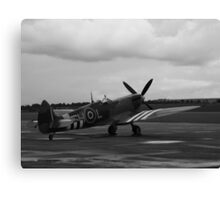 Waiting to scramble! Spitfire ready to go Canvas Print