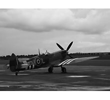 Waiting to scramble! Spitfire ready to go Photographic Print