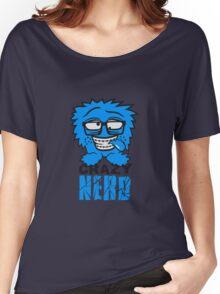 logo nerd geek schlau hornbrille zahnspange freak pickel haarig monster wuschelig verrückt lustig comic cartoon zottelig crazy cool gesicht  Women's Relaxed Fit T-Shirt