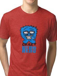 logo nerd geek schlau hornbrille zahnspange freak pickel haarig monster wuschelig verrückt lustig comic cartoon zottelig crazy cool gesicht  Tri-blend T-Shirt