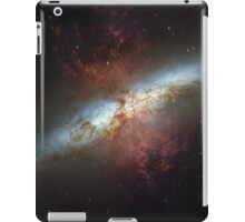 Starburst galaxy outer space hubble iPad Case/Skin