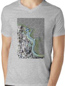 WHITE/BLUE LIZARD ABSTRACT 119. Mens V-Neck T-Shirt